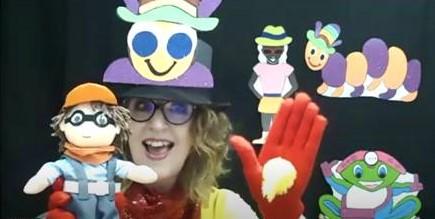 Little Marvin and Gwyn-Gwyn-Gwynnie-Gwyn-Gwyn waving to the children